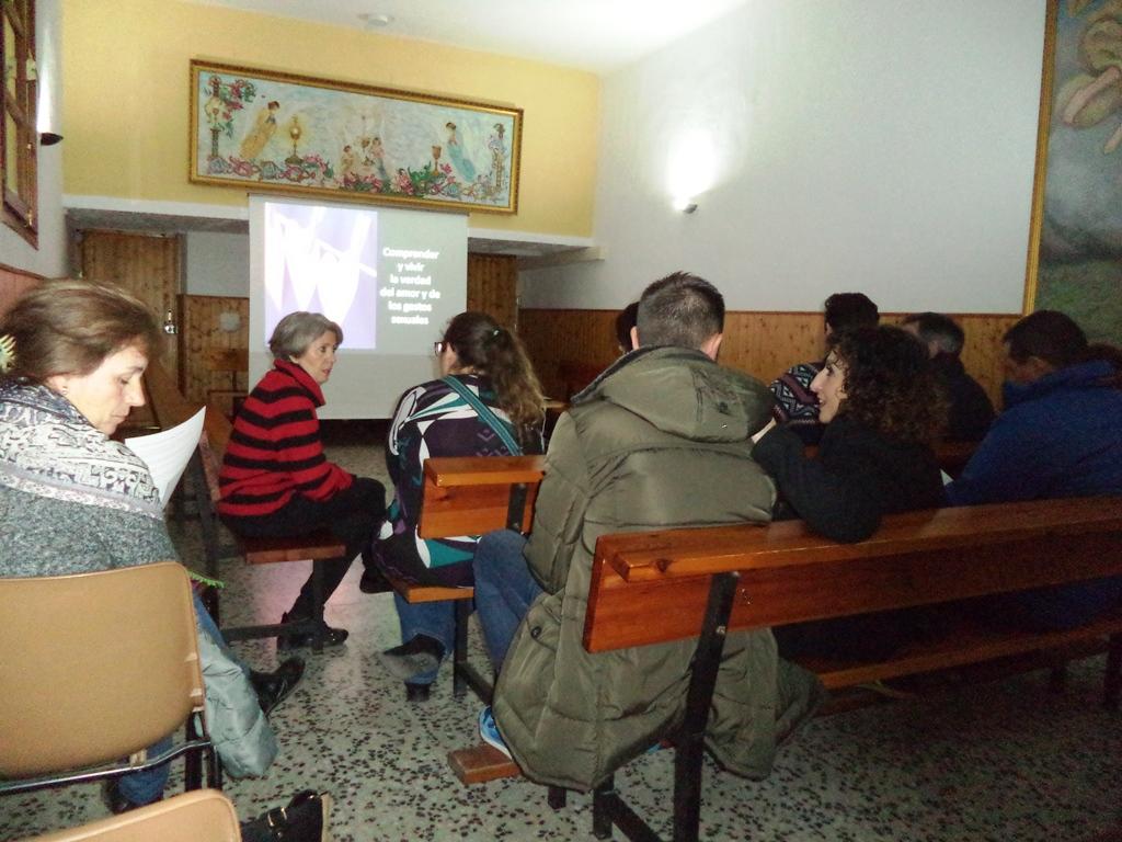 Formación en catequesis de padres de Primera Comunión